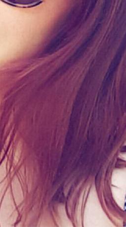 Cheveux colorés auburn morgane