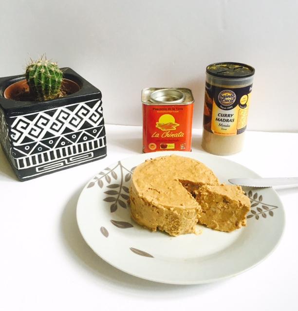 Mon fauxmage vegan / végétalien au paprika fumé, curry et aux noix