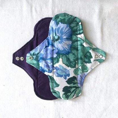 Serviette hygiénique 3 gouttes Grosses fleurs violettes à l'unité
