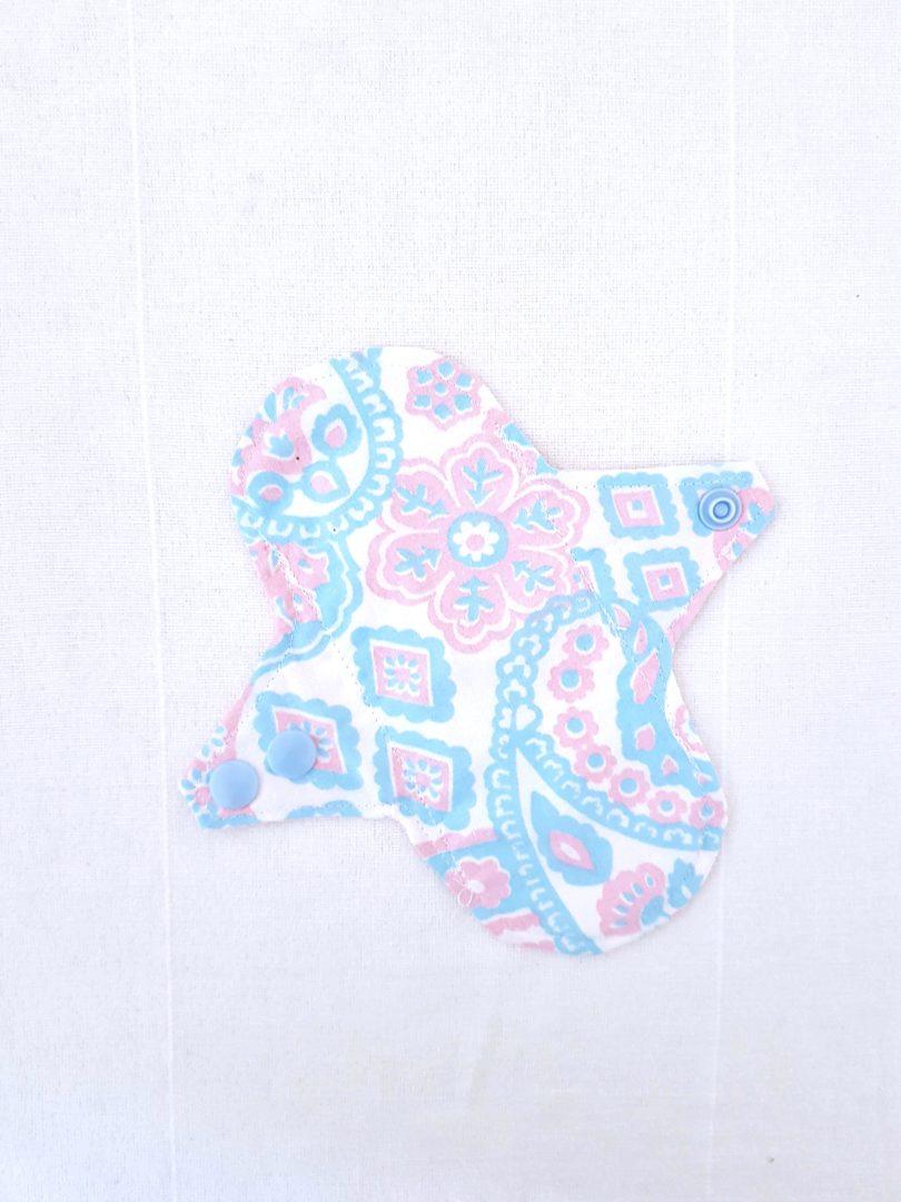 protège slip cachemire rose et bleu