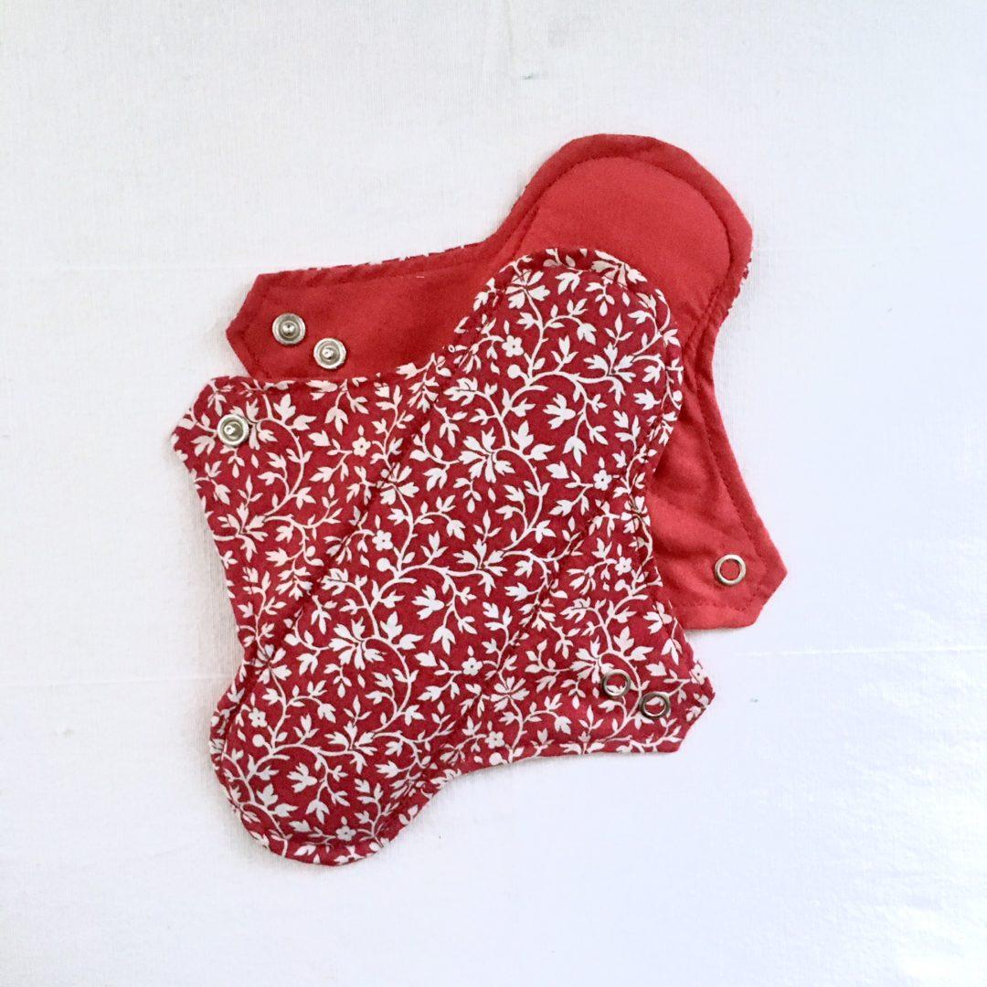 Serviette hygiénique lavable 2 gouttes Rouge à fleurs